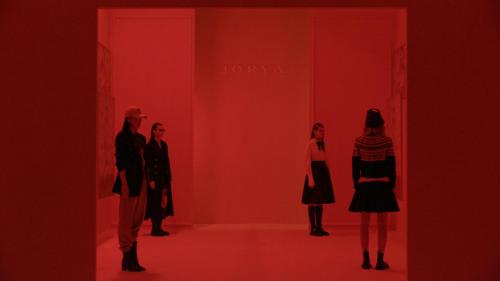 JORYA 举行2023秋季'收藏家'主题时装秀